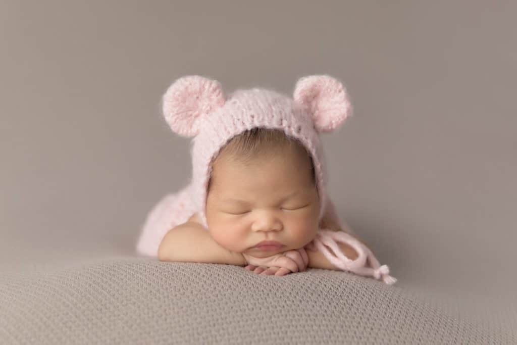 newborn baby needs for brain development