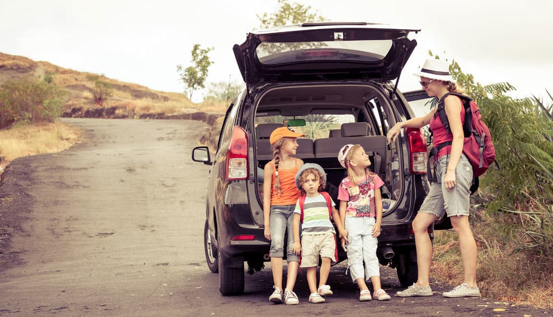 25 Non-iPads Road Trip Games and Travelling Activities for Kids