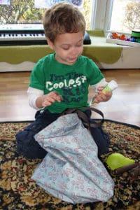 sensory activities- mystery bag